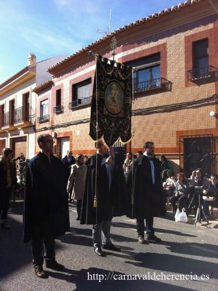 El Estandarte de Ánimas durante el Ofertorio del Carnaval de Herencia 2012