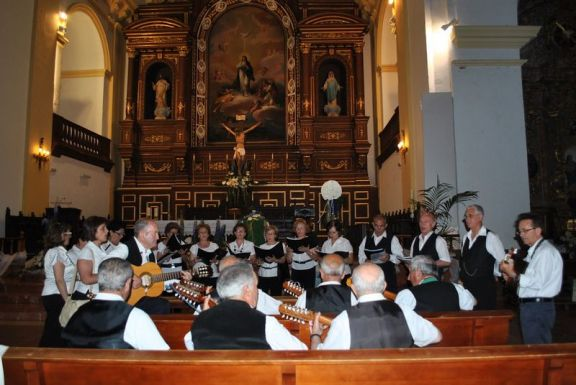 Canto de mayos en la parroquia de la Inmaculada Concepción de Herencia