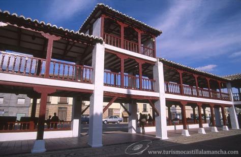 Actual plaza de Puerto Lápice