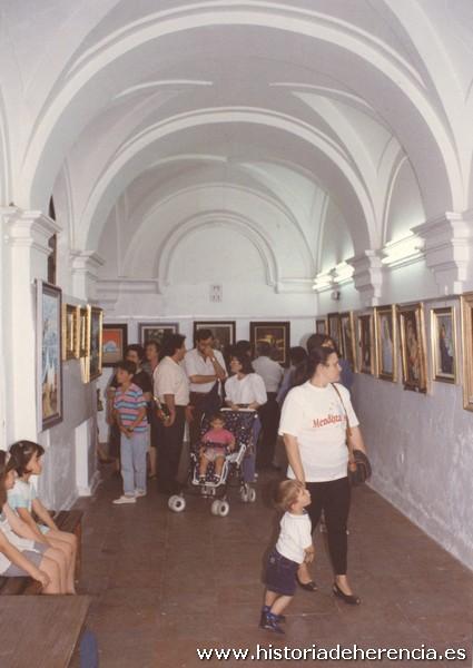 Claustro inferior como sala de exposiciones