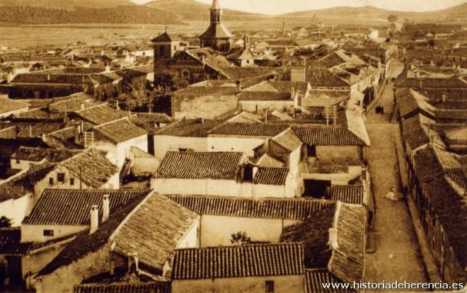 Convento de la Merced y vista panorámica de Herencia en 1930