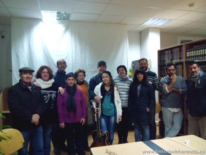 Basilio Montes junto a algunos integrantes del Taller de Historia Local de Herencia