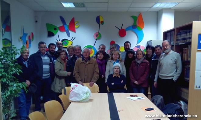 Visita del grupo folk Jarana al Taller de Historia Local de Herencia
