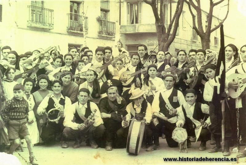 """Estudiantina """"Los Piratas"""" del Carnaval de Herencia. Años 60 del siglo XX"""