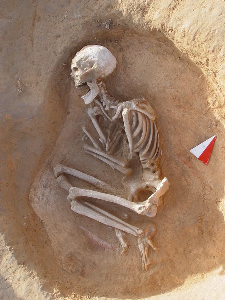 Resultat d'imatges de enterramientos