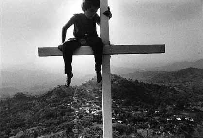 San José Las Flores (El Salvador) desde el cerro de la Cruz.