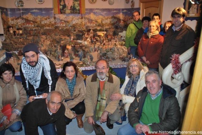 Visita del Taller de Historia Local al belén de la familia Gallego de la Sacristana