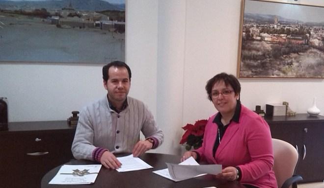 Carmen Olmedo con alcalde de Herencia