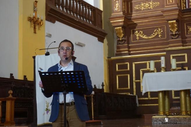 Conferencia Enrique Rodríguez de Tembleque sobre el cuadro de la Inmacualda Concepción de Zacarias González Velázquez de Herencia0012